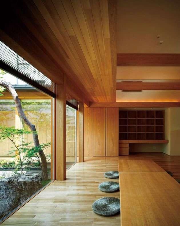 Bề mặt gỗ đơn giản kết hợp với ánh sáng hài hòa